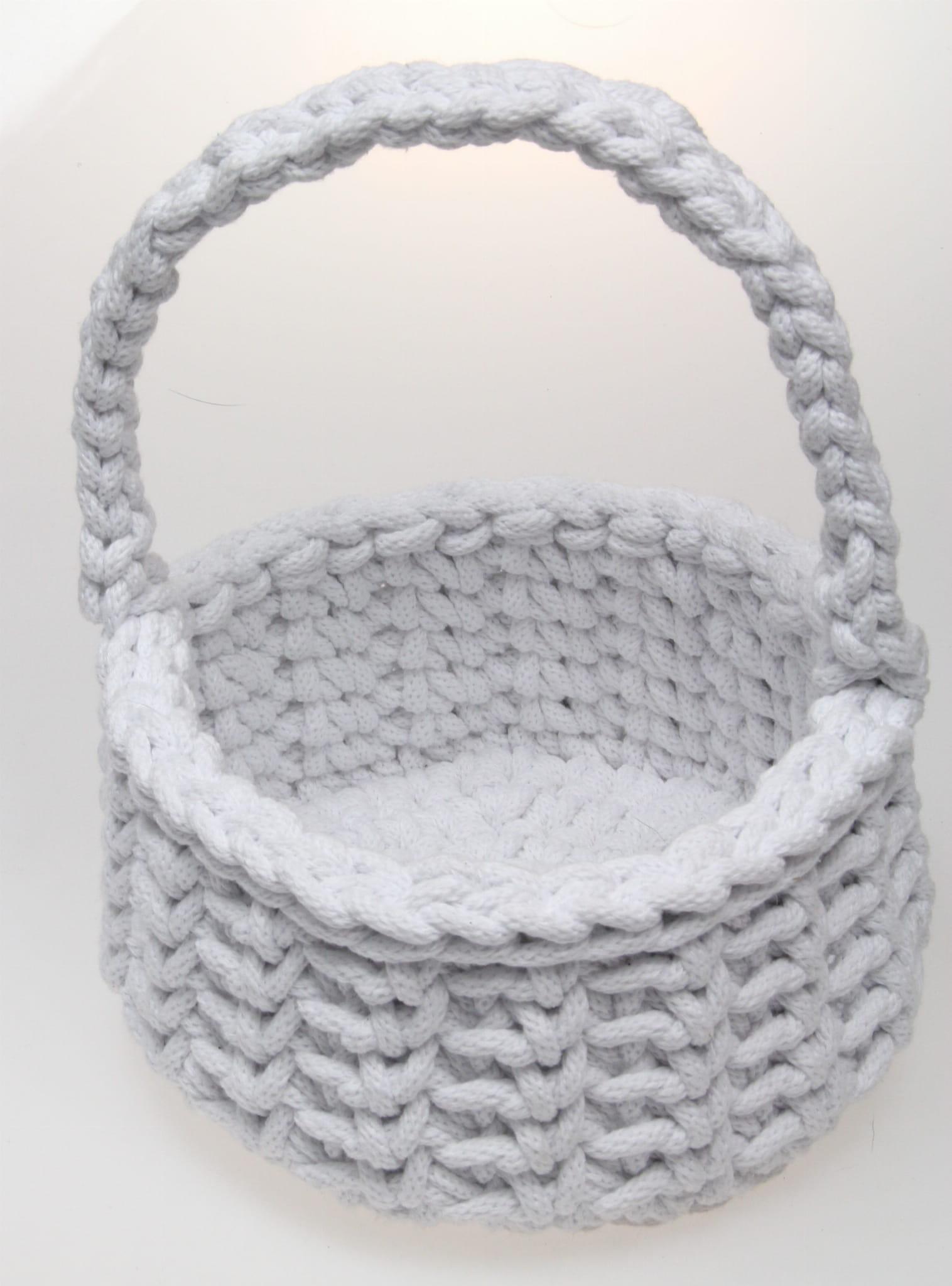 ed97643ec1afc1 Koszyczek wielkanocny w kolorze białym ze sznurka bawełnianego